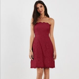 Strapless lace dress (with pockets) in Plum